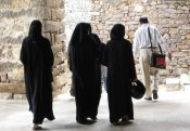 burqa-clad-women-in-hyderabad.jpg